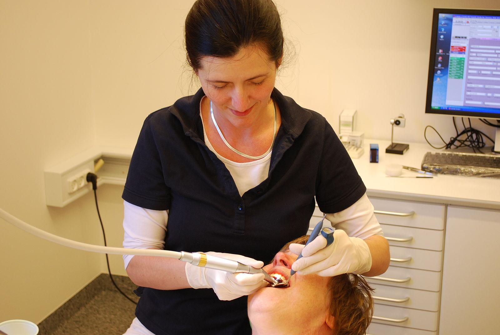 Emergency dentist in Lilydale